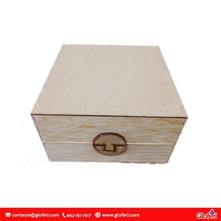 baul-cuadrado-madera-sin-impresion-